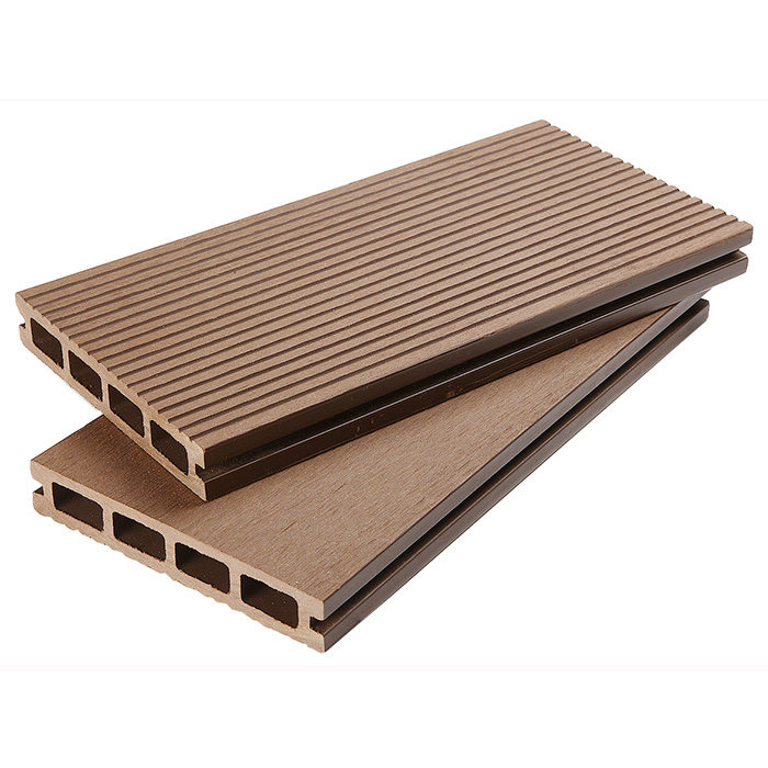 Composite decking reviews 2017 greencovering for Cheap composite decking